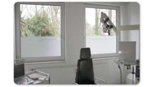 Werbetechnik Fensterfolierung Praxis Dr. med. Wolfgang Lambeck